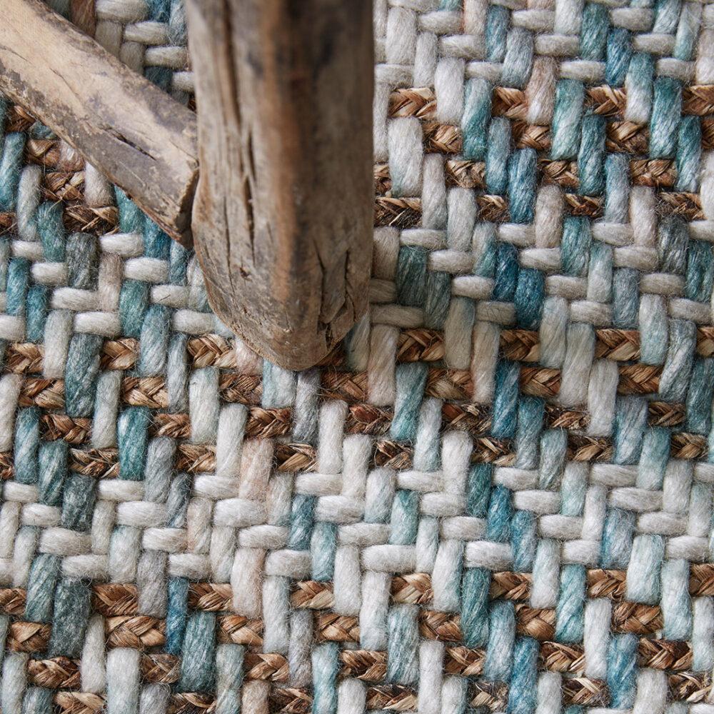 Gaia-Wool,-Sinclair-Gordon-detail