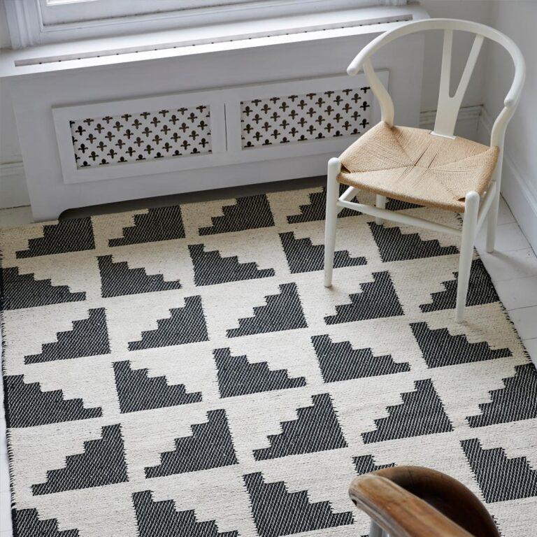 inspiration-hallways-geometric-flock-living